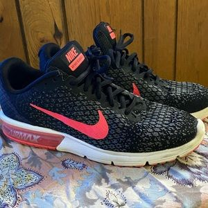 Nike AirMax Sequent 2